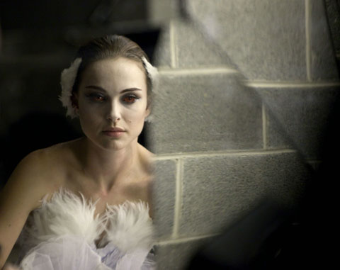 """Press screenings for """"Black Swan,"""" starring Natalie Portman, are under way"""
