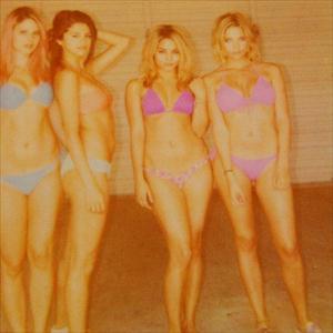 selena gomez,vanessa hudgens in erotic bikini